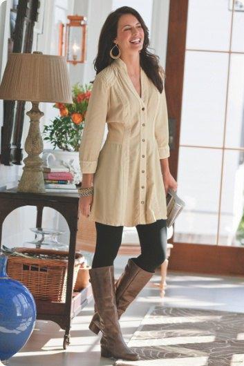 rodnadrosa knapp lätt utsvängd lång skjorta med leggings och stövlar