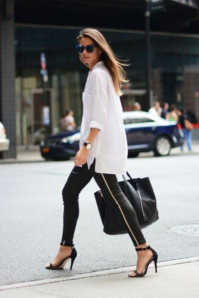 vit överdimensionerad skjorta med knappar, läderjackor och klackar