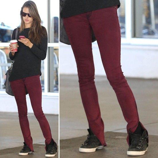 svart stickad tröja burgundy skinny jeans