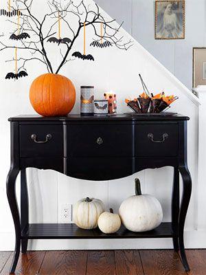 78 DIY Halloween dekorationsidéer som är en blandning av läskiga, söta.