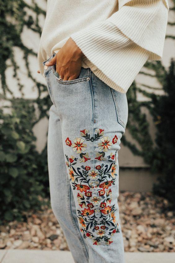 broderad jeans vit volangtröja