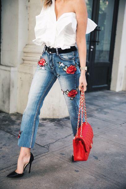 broderade jeans röda rosor