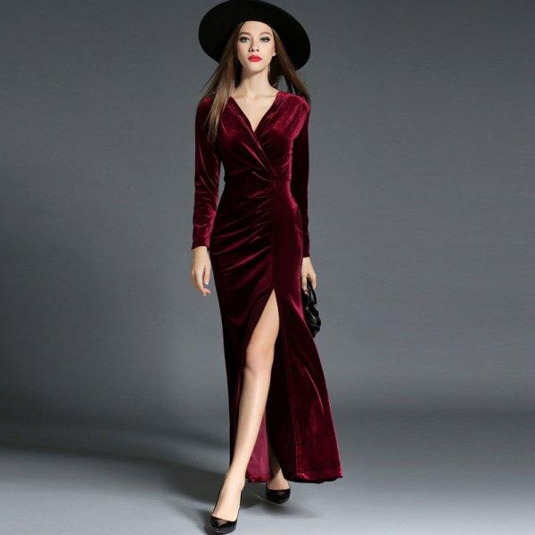 svart filthatt med vinröd röd maxi sammet wrap klänning