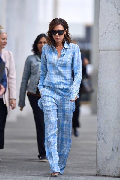 Himmelblå och vit rutig pyjamasskjorta med matchande byxor