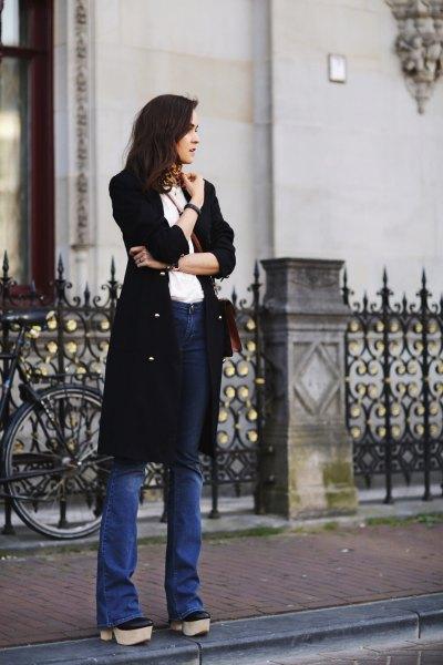 Choker halsduk svart långfärgad cardigan flared jeans