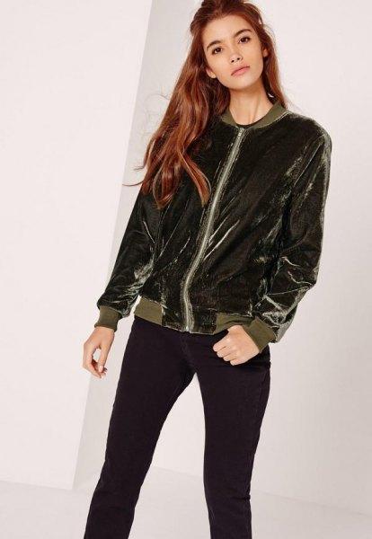 mörkgrå sammetjacka med svarta skinny jeans
