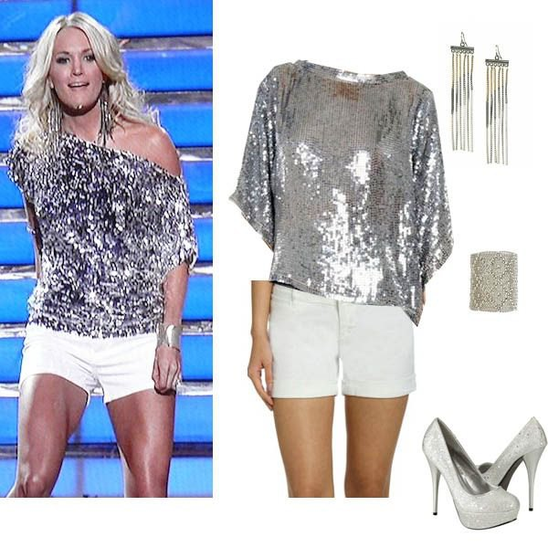 silver metallic paljettskjorta med en axel och vita mini-shorts