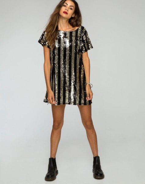 svart och silver vertikal randig metallisk skjortklänning