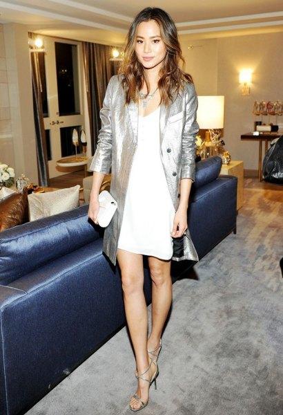 vit skiftklänning silver metallic lång kavaj