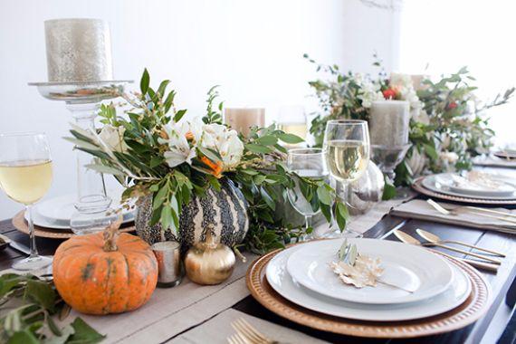 Eleganta och enkla idéer för Thanksgiving-bordsdekorationer  familj.