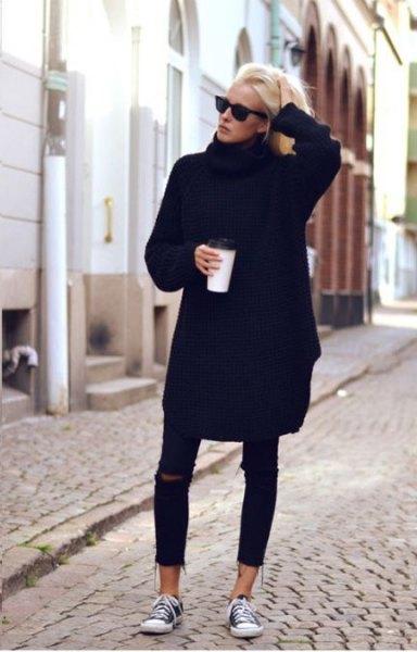 svart tröja klänning med rippade skinny jeans