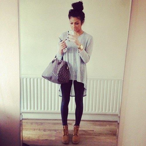 Ljunggrå, hög, låg t-shirt svart leggings