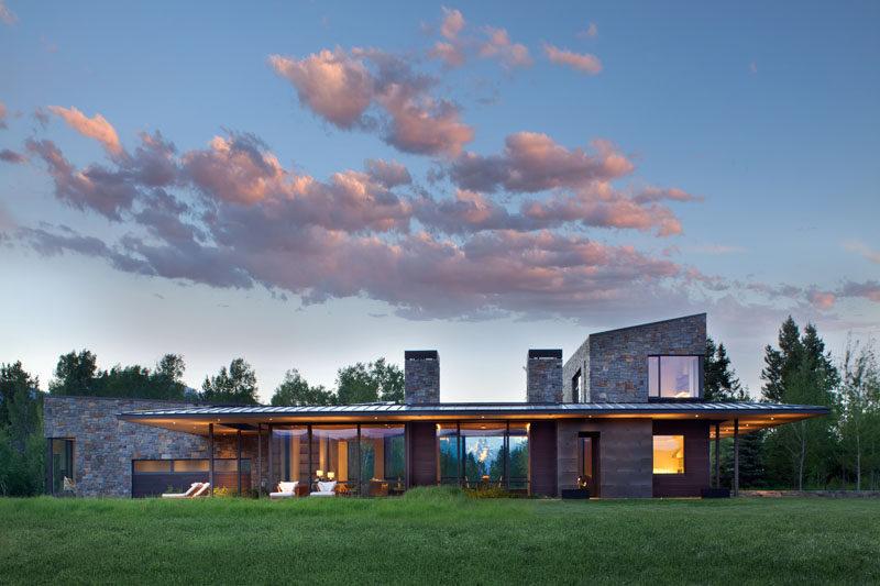 Carney Logan Burke Architects har utformat ett nytt hem på landsbygden.
