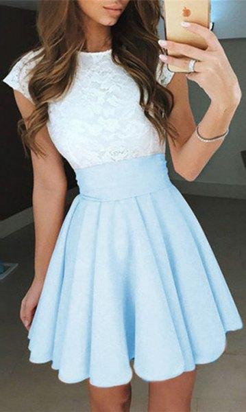 vit och ljus himmelblå tvåfärgad kort klänning