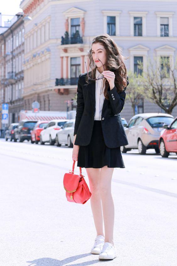 svarta skater kjol blazer sneakers