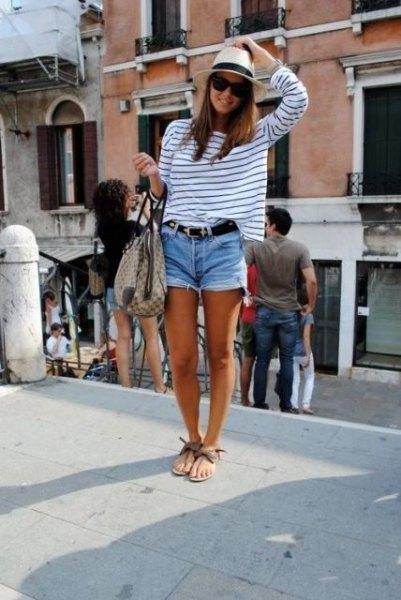 Stråhatt långärmad t-shirt jeansshorts