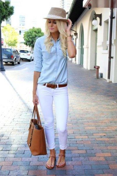Stråhatt chambray skjorta vita jeans
