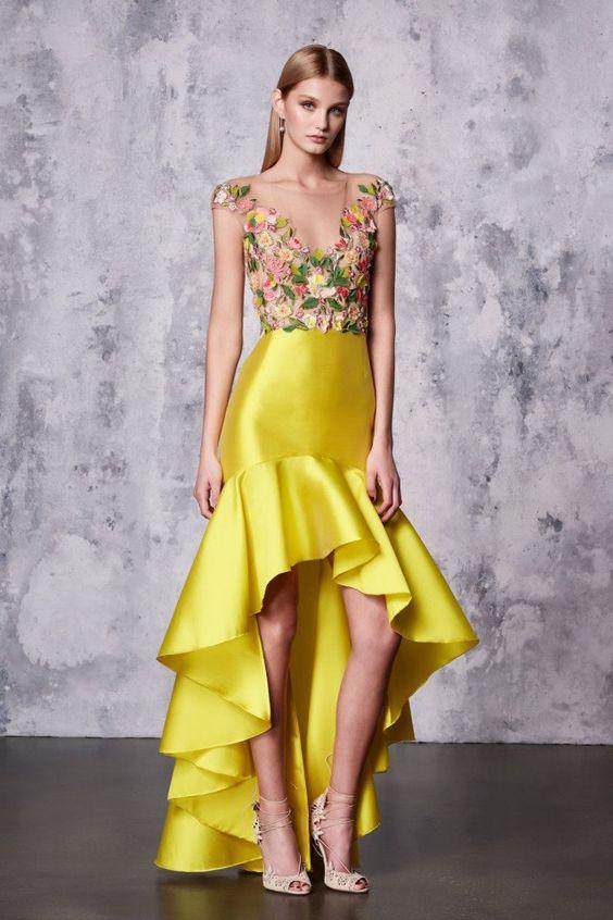 hög låg balklänning gul blommig