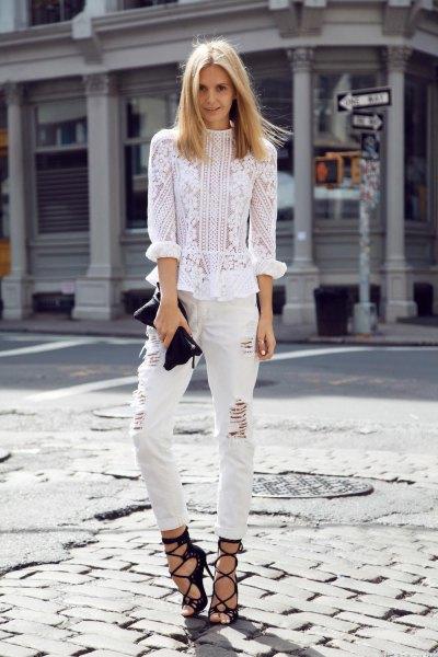 vita jeans svarta remmar sandaler