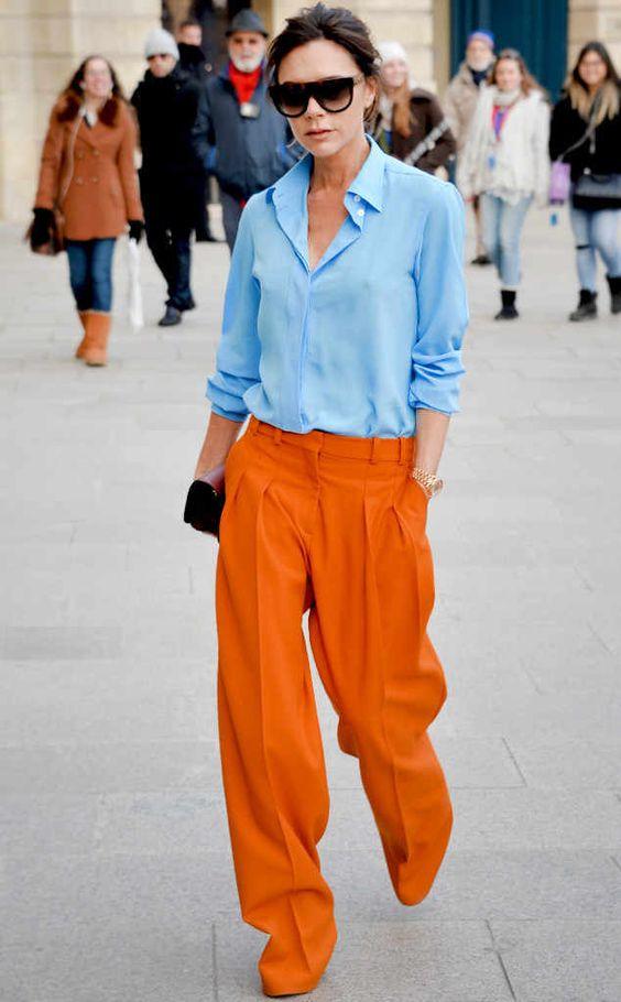 orange byxor blå