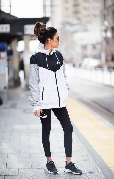 Löpbyxa Nike svart vit grå vindjacka
