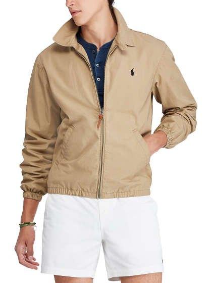 Crepe vindjacka med en mörkblå skjorta och vita mini-shorts