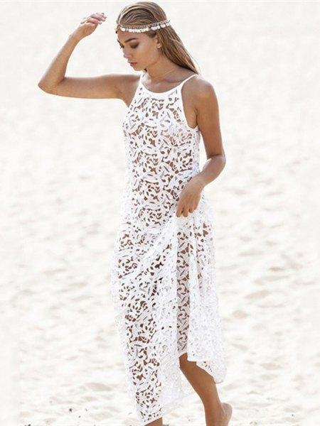 vit spets, halvtransparent strandklänning