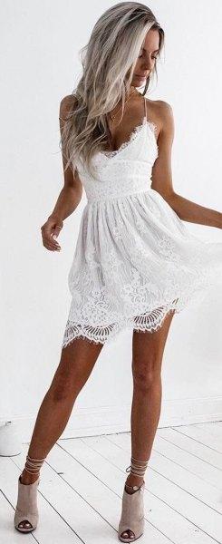 vit spets cami skater klänning