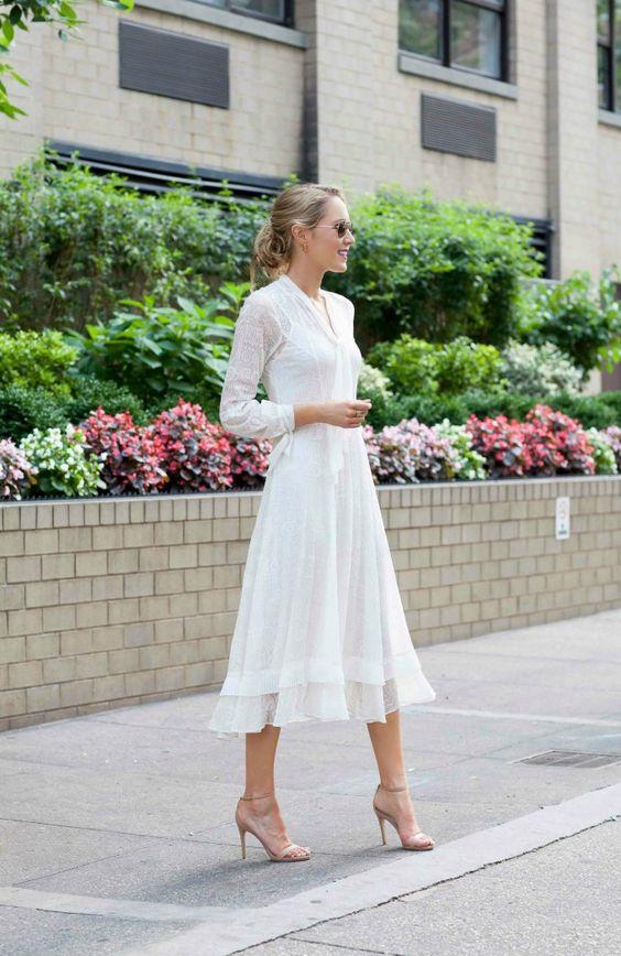 vit te lång klänning