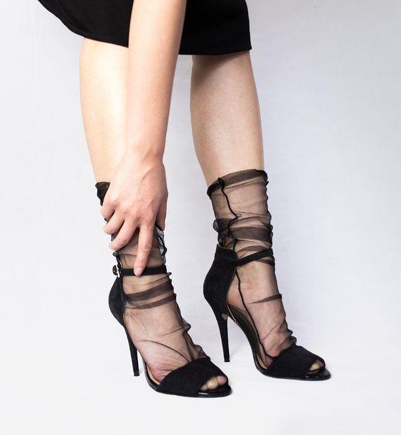 Tyllstrumpor spetsiga skor