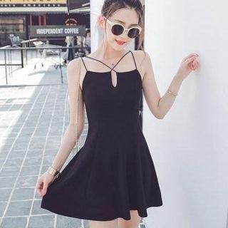 svart strappy skaterklänning med V-ringning