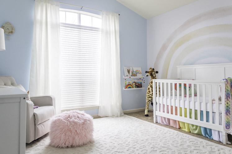 Rainbow Baby Nursery Decor    Hemdesign och livsstil    Jennifer Mau
