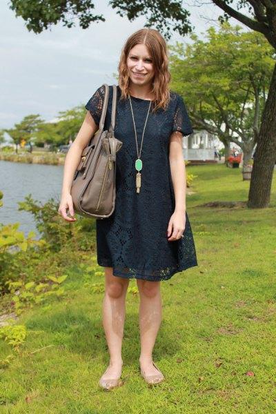 mörk marinblå kortärmad mini-gungklänning
