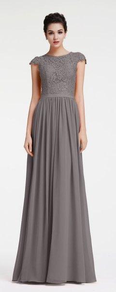 grå tvåfärgad spets maxiklänning i chiffong