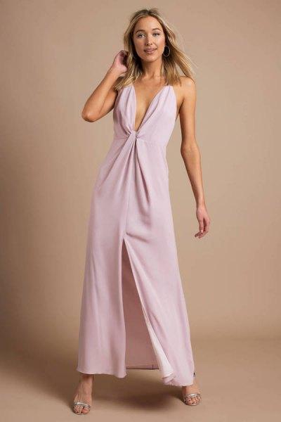 Lavendel djup maxiklänning med djup V-ringning