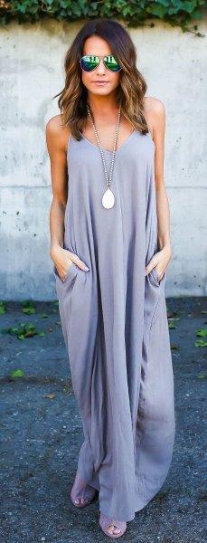 Lavendel maxiklänning med öppna tår i silver