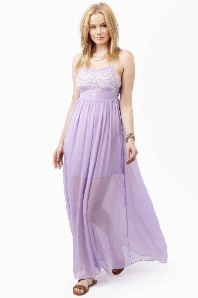 två lager passform och flare lavendel maxi chiffong klänning