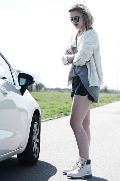 vit cardigan denim shorts outfit