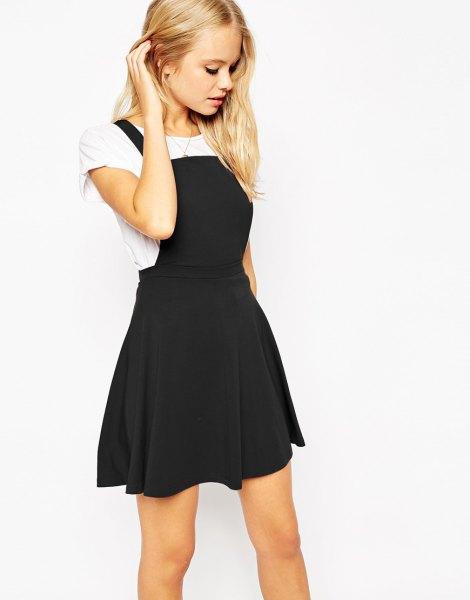 svart fyrkantig remskridsklänning