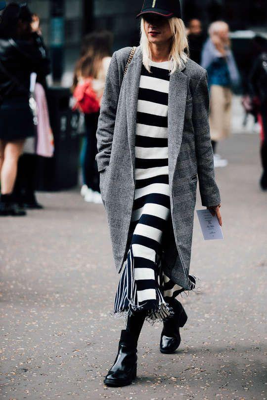 svartvit randig klänning rutig