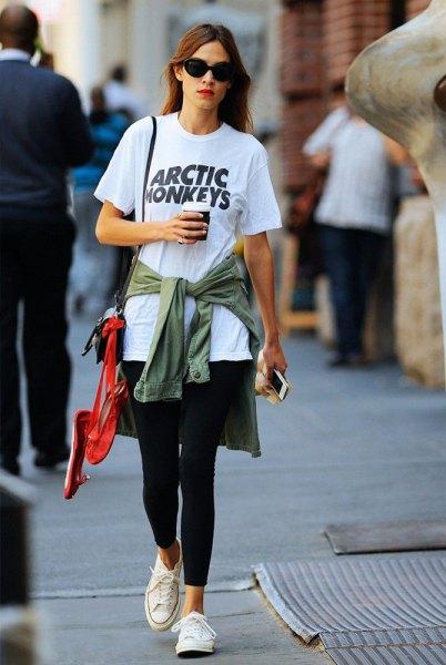 Slipsskjorta till överdimensionerad t-shirtdräkt