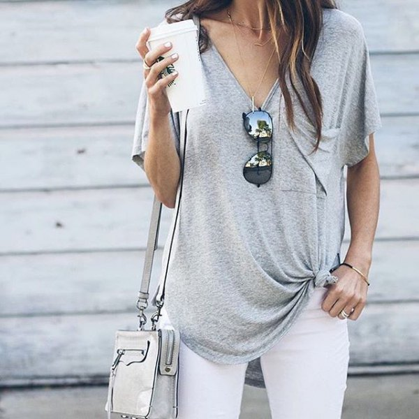 knuten V-ringad t-shirt vita skinny jeans