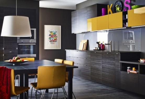 Fantastisk svart köksdesign med gula detaljer - DigsDi