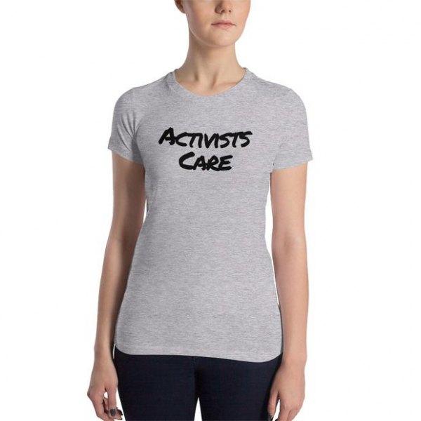grå slim fit grafisk t-shirt med svarta skinny jeans
