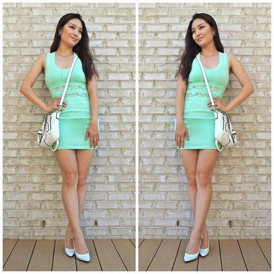 Ljusgrön, figurkramande miniklänning med matchande klackar
