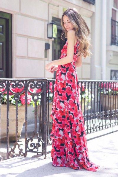 Maxi-flytande klänning med rosa och svart blommigt tryck