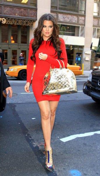 röd, långärmad, figur-kramande miniklänning med strappy klackar
