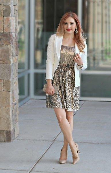 vit blazer ljusrosa klack outfit
