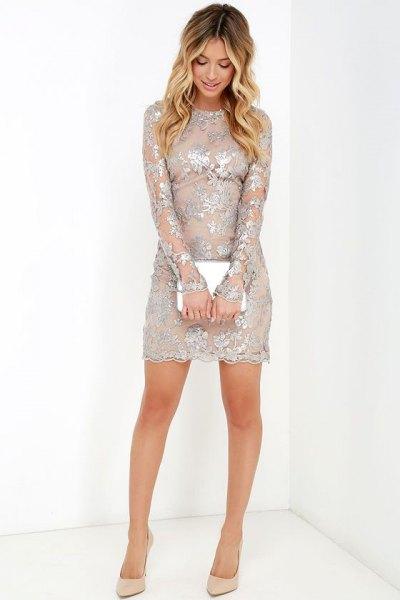 silver, halvtransparent blommig klänning