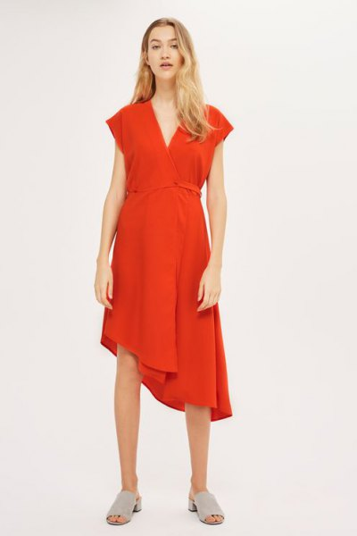 röd asymmetrisk midi swing wrap klänning